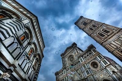 Piazza Del Duomo Bubbles
