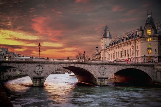 Paris bridge 4 by Arnau_Bolet - Paris Photo Contest