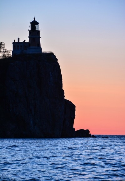 Split Rock Lighthouse at dawn