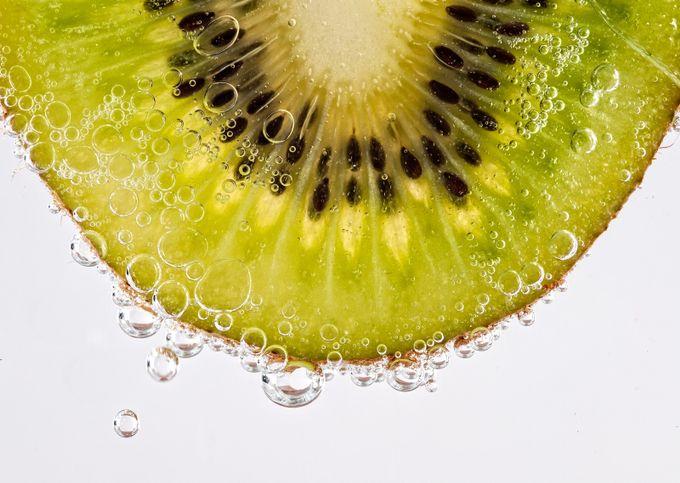 Kiwi by JDay - Bubbles Photo Contest