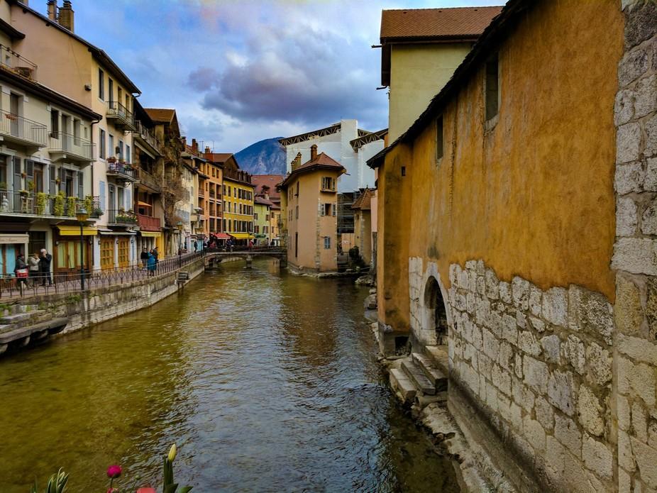 Melt water through Annecy