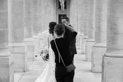 Wedding photo shooting at the palais royal, Paris.