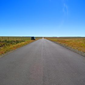 The road between Steynsburg and Bloemfontein, 13h00