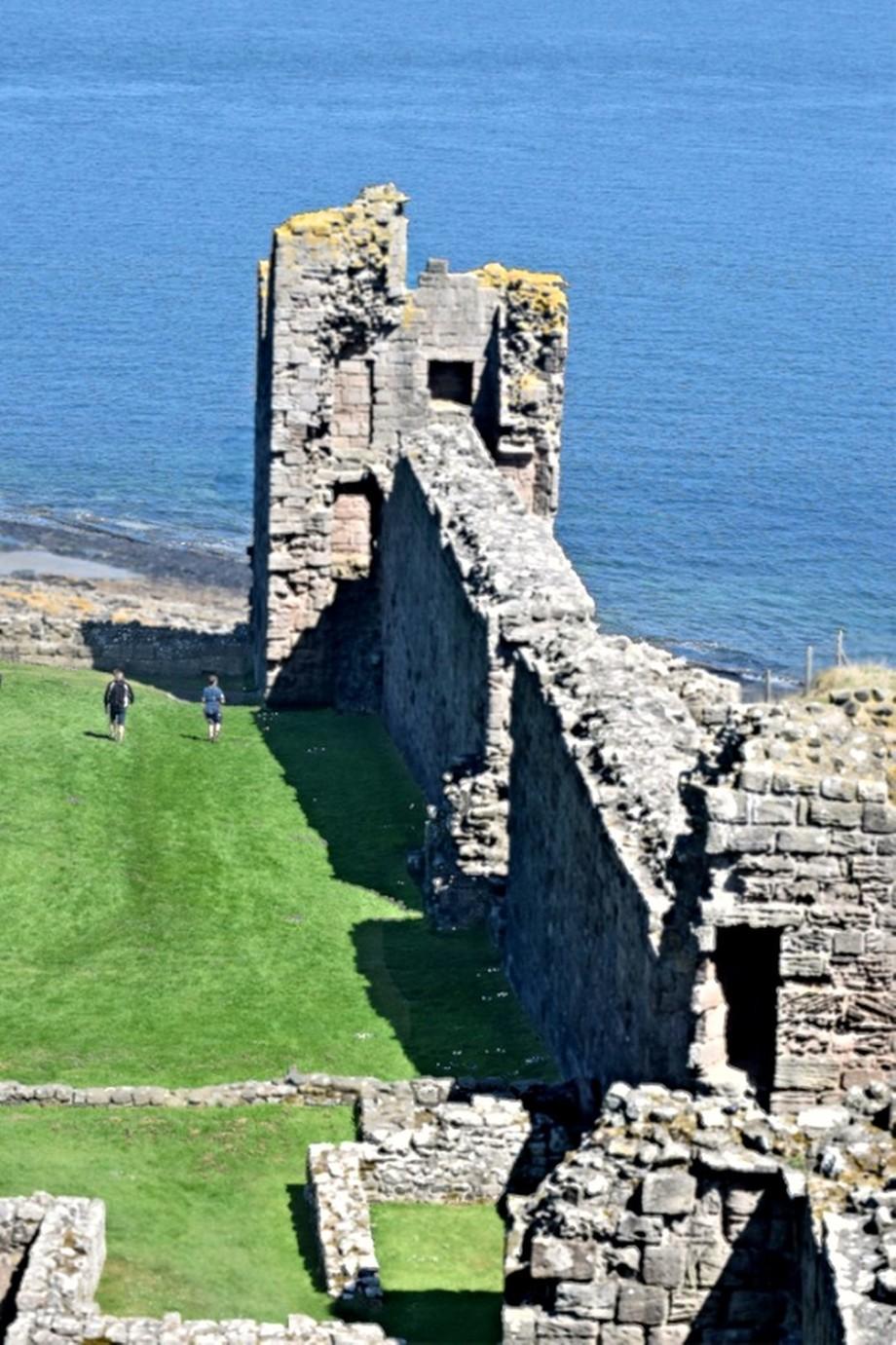 Dunstanburgh Castle DSC_0066
