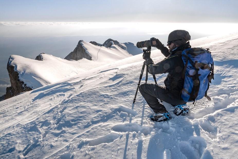 Lensing the Horizon