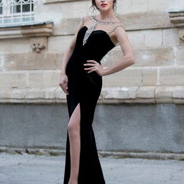 Shoot with Fashion model Vladlena Durin for designer Vlada Detorzeni