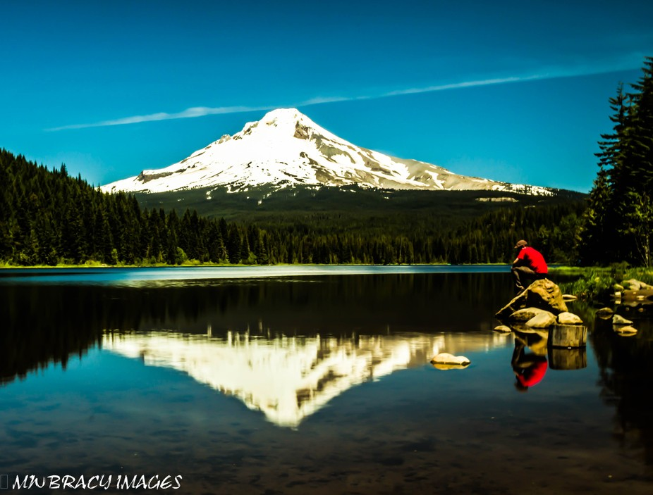 View of Mt. Hood, Oregon across Trillium Lake. Since I was out during the brightest part of the day I used a circular polarizer and 1.2 neutral density filter to reduce the glare.