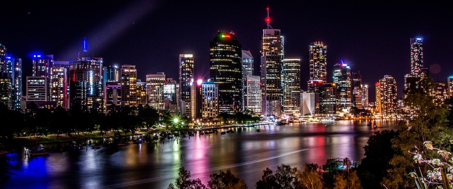 First attempt at nightscape photography, view of Brisbane CBD and Brisbane River captured from Ka...