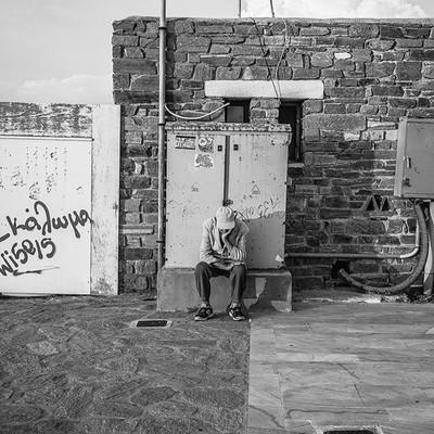 black and white moment captured on my Fujifilm (Thinking time) . . . .  #bnw_demand #bnwmood #monochrome #bnw_globe #blackandwhitephoto #rsa_bnw #blackandwhitephotography #blacknwhite_perfection #bnw_captures #bnw_city #bnw_life #bnw_rose #bnw_society #st