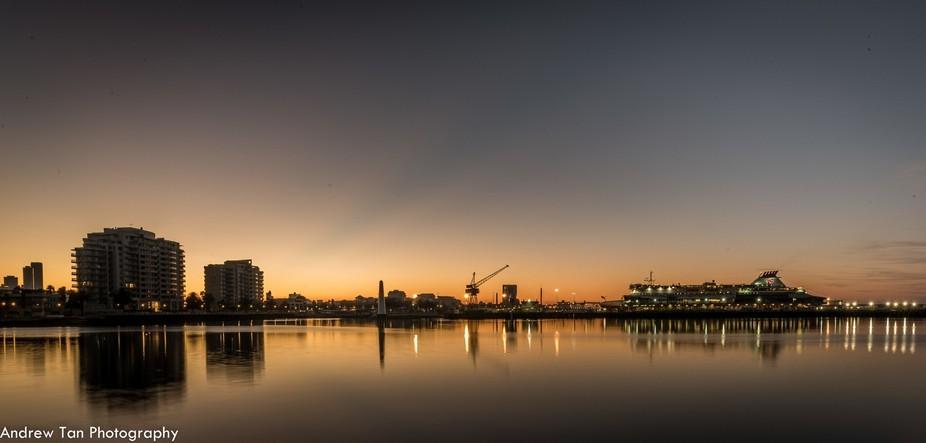 Sun rise at Princes Pier