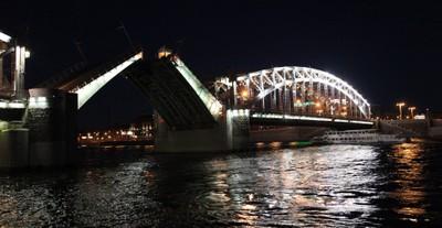 Divorce Bolsheokhtinsky bridge. 2 hours after midnight. Saint-Petersburg.