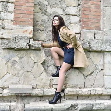 Climbing in high heels was her worst fear, but she did it, and the results were astounding!