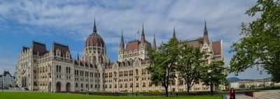 Kossuth Square and the Parliament