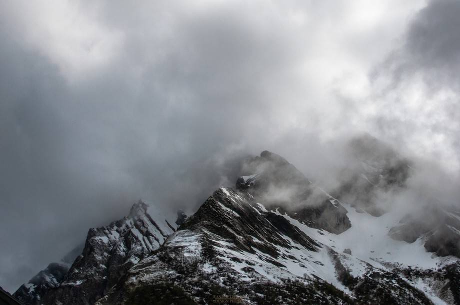 Alps are unpredictable, two days before the sun was so strong but the snow came back with thos he...