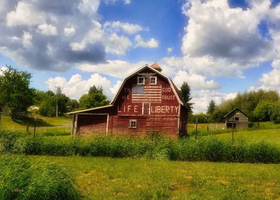 Taken in NE Washington in the Palouse....my favorite barn!