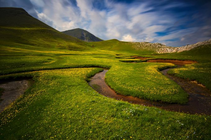 creation by Konstantinos_Lagos - Curves In Nature Photo Contest