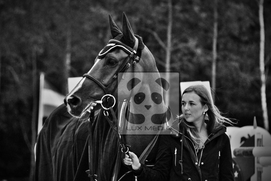 -Horse and Groom  shot by LuxMedia Follow me to stay Updated!