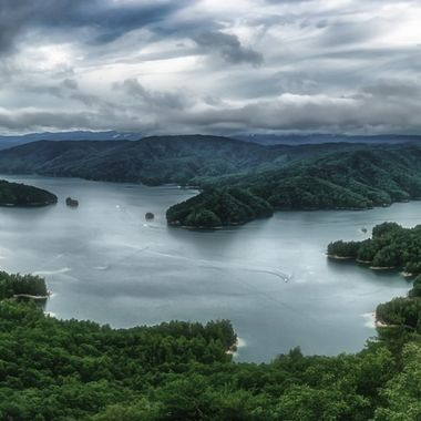 A four shot panorama of Lake Jocassee in the upstate of South Carolina