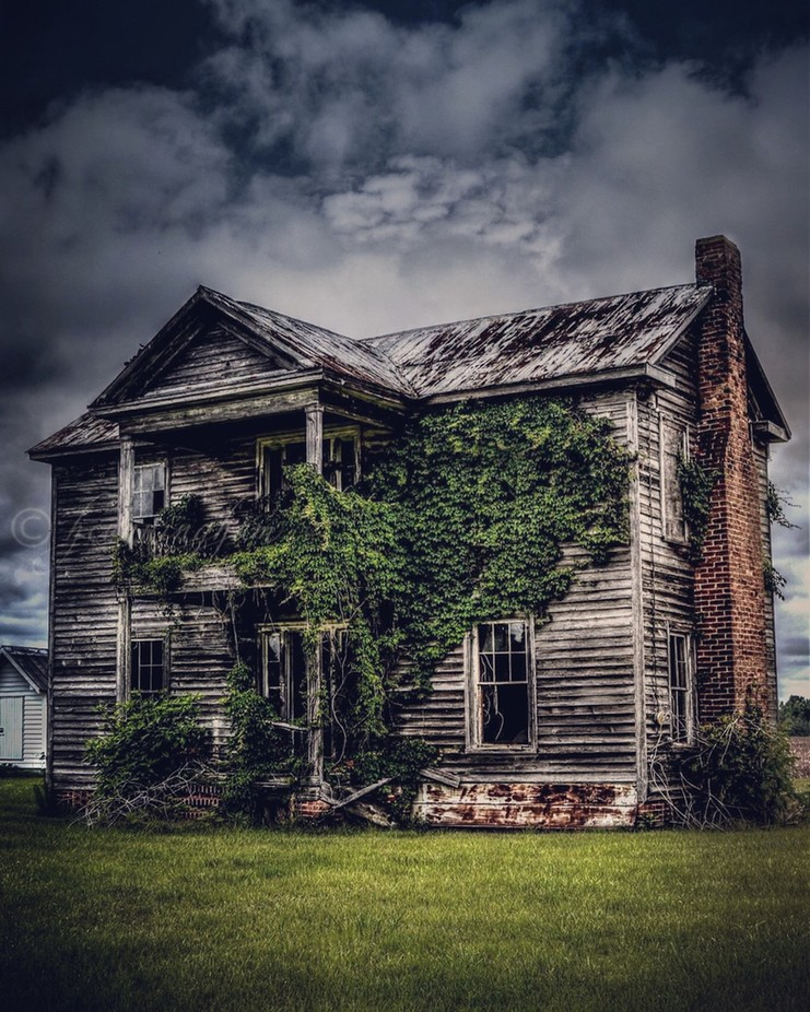 Decaying farming property by Nikon_Abandoned_ - Monthly Pro Vol 33 Photo Contest