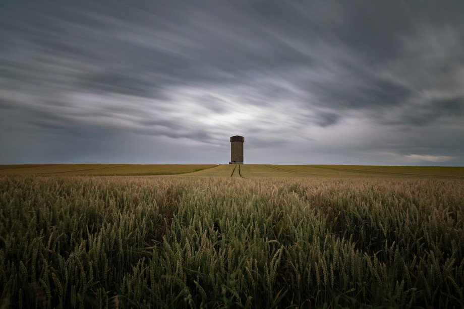 A few days ago, I picked up an idea that I had before - a water tower somewhere near the lake neu...