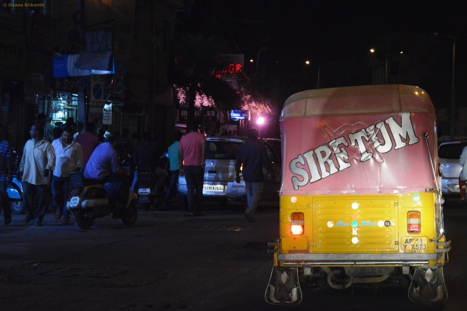 The pink color is not at all a usual thing for auto-rickshaws. This one must be in love, featurin...