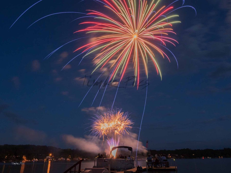 Just a night out at the lake shooting fireworks with the OMD EM-5 MII 12-40 Pro