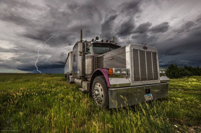 ThundersTruck by aaronjgroen - Trucks Photo Contest