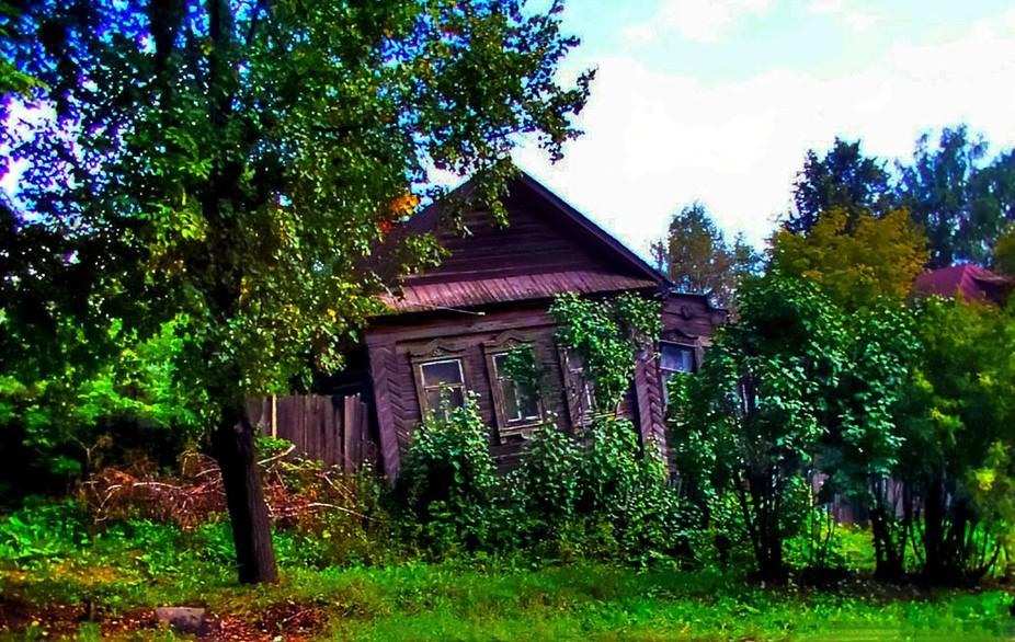IMG_0032_rotting house