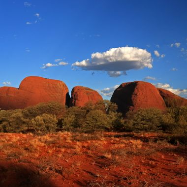 Uluru isn't the only spectacular rock formation in central Australia. This is Kata Tjuta at sunset (still 40°C).