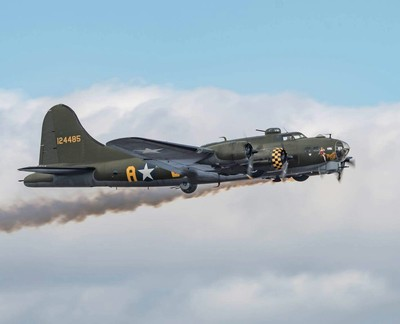 02-07-17 Cleethorpes Armed forces day  B17 Flying Fortress Sally B