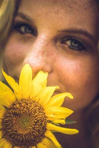 Freckles and a Sunflower = perfection