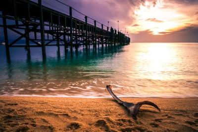 Sunrise at Mae Nam pier