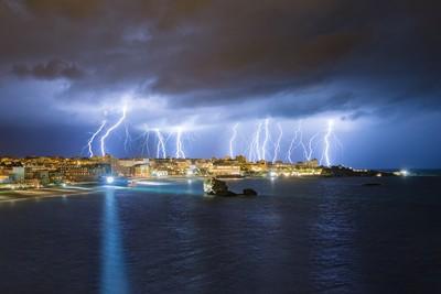 Lightning barrage