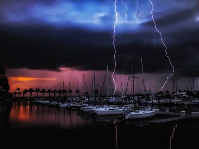 Lightning 2 times