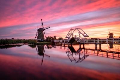 Fired sky Kinderdijk