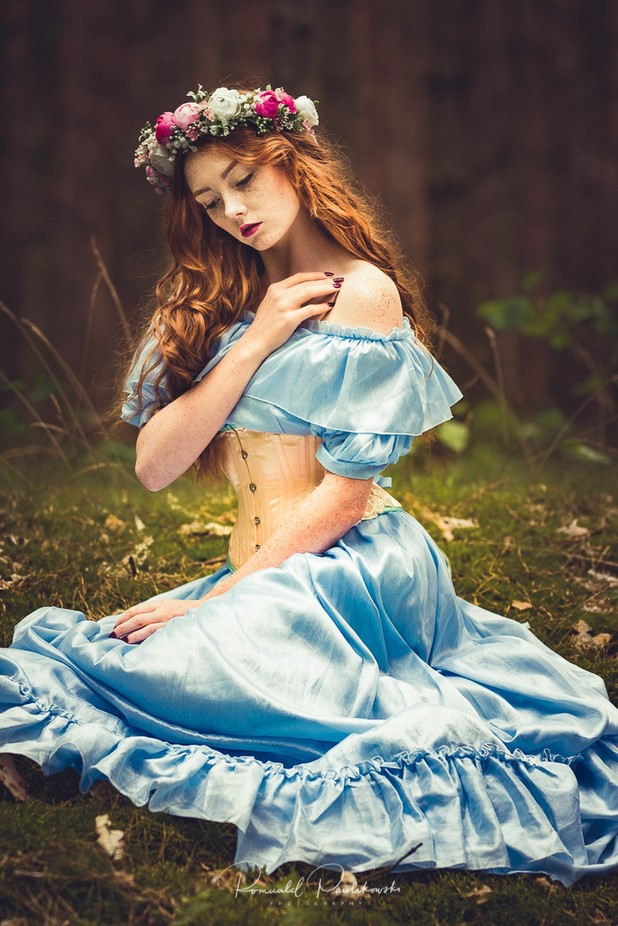 Lady in Blue by RPawlikowski - Monthly Pro Vol 33 Photo Contest