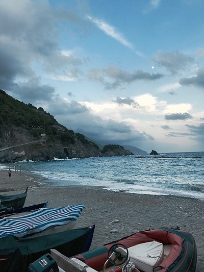 Monterosso at dusk by Theo-Herbots-Fotograaf
