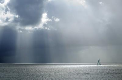 Sunray sailing