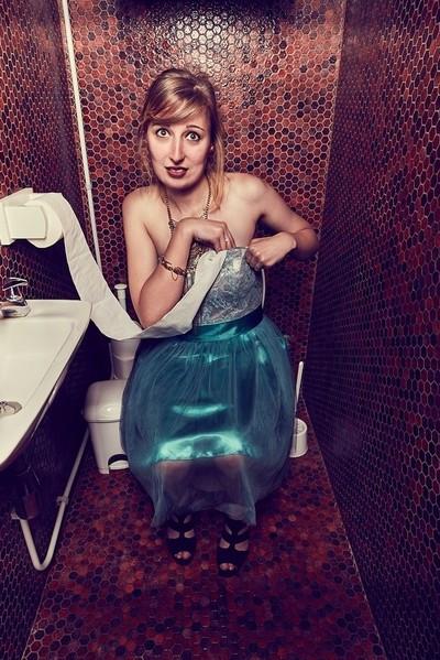 Behind the WC's door - Stuff my bra