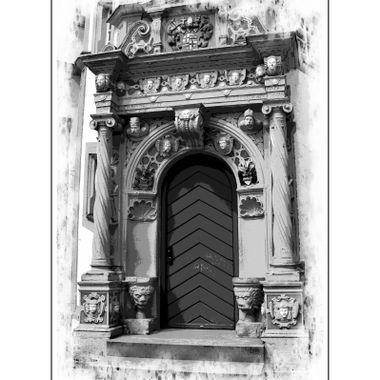 Door of the Schloss Neuhaus Castle.