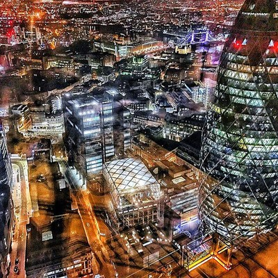 London night lights ☺⭐️#London #londontown #londonist #love #lovelondon #night #goodnight #fromabove #architecture #gerkin #city #skyline #skyscrapers #citylife #beautiful #wanderlust #worldwideadventurer