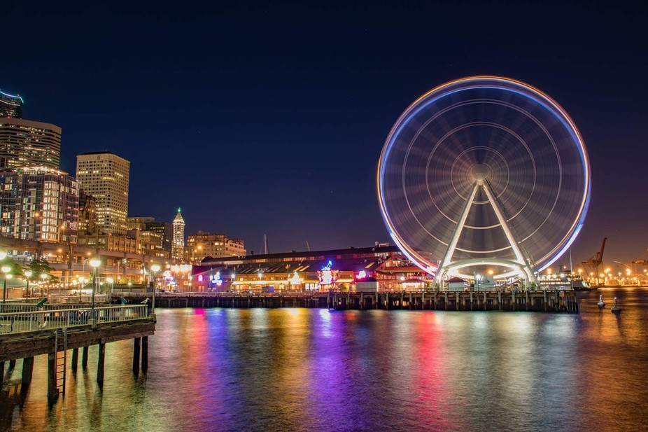 Made a stop in seattle to take a shot of the great wheel with these blue and green lights and rig...