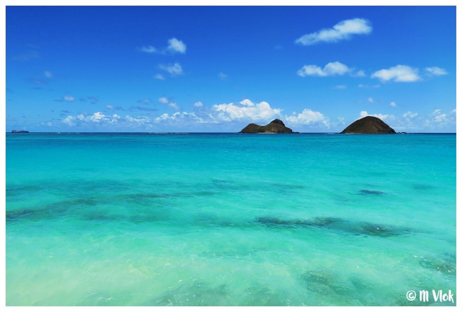 Turquoise waters of Oahu...