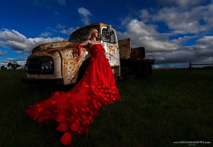 OldTruck_Reddress_Web_Sig by WAeagle - Gloves Photo Contest