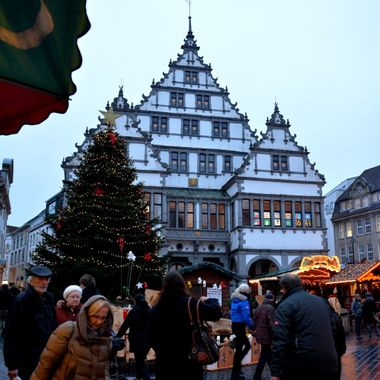Picture of the Paderborn Town Hall at Xmas time..