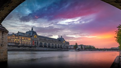 Sunset on the Orsay Museum in Paris
