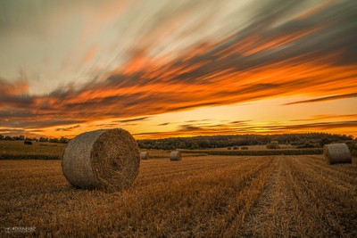 One last bales of straw for the year. I had a great sunset and afterglow.