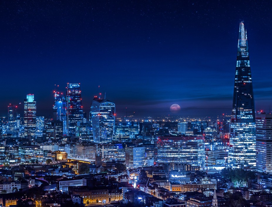 Overlooking London's skyline as I waited 4 hours to land this shot. It was such a magnif...