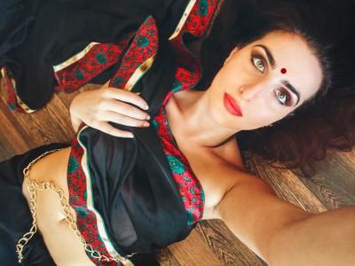 me in black saree
