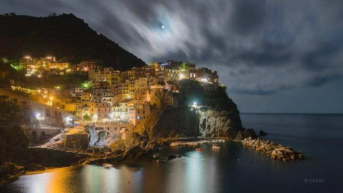 Manarola, Cinque Terre, Italy by Pjerry - The Moonlight Photo Contest